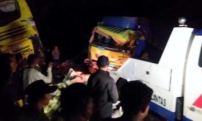 Kecelakaan beruntun terjadi di Jalan Raya Hutan Baluran KM 253 Kecamatan Banyuputih, Kabupaten Situbondo, Jawa Timur, Kamis (4/7) sore. (im)