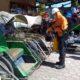 Berantas Corona, RS Mitra Sehat Ajak Tukang Becak Pola Hidup Sehat, Pasang Hand Sanitizer Di Becak