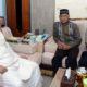 Forkopimda bersama rombongan Silaturahmi pada KHR Ahmad Azaim Ibrahimy, Pengasuh Ponpes Sukorejo Situbondo. (im)