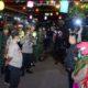 Situbondo Covid-19 Polres dan Tim Gabungan Patroli Keliling Bubarkan Kerumunan Warga