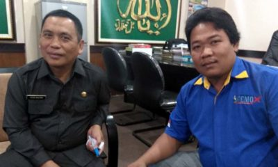 Wakil Bupati Situbondo Ir H Yoyok Mulyadi M Si bersama jurnalis Memontum.com. (ist)
