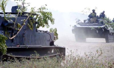 480 Pasukan Marinir Saling Serang di Pantai Banongan Situbondo