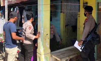 Patroli Satsabhara Polres Situbondo saat melaksanakan razia minuman keras. (im)