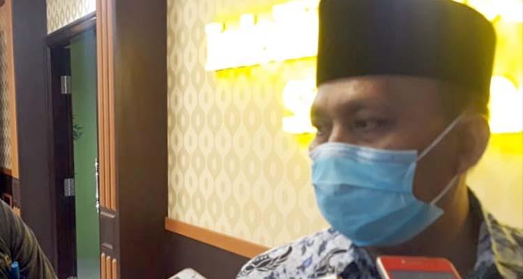 Drs H Akhmad Yulianto M Si, saat dikonfirmasi wartawan Memo X. (im)