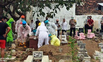 Kapolres Situbondo Pimpin Prosesi Pemakaman dan Sholat Jenazah di Lingkungan Paraaman