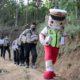 Polisi Sahabat Anak, Si Bontas bersama Bhabinkamtibmas Peduli Pendidikan Hadir di Dusun Cobbuk Situbondo