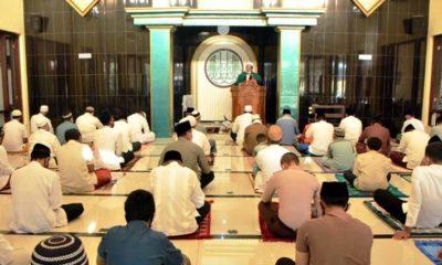 Sholat Idul Adha yang digelar di Mapolres Situbondo dikhususkan untuk anggota Polres beserta keluarga. (her)
