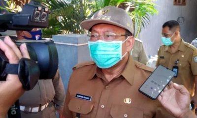 Bupati Situbondo H Dadang Wigiarto SH saat melakukan peninjauan lokasi kejadian. (her)
