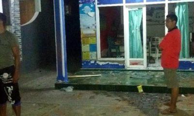 Rumah warga yang dirusak ratusan orang diduga dari anggota PSHT. (im)