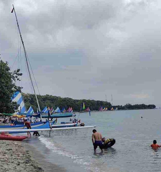 Pantai Pasir Putih Masih jadi Favorit Wisatawan Domestik